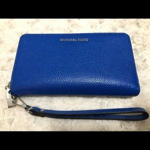 Micheal kors blue phone case wristlet